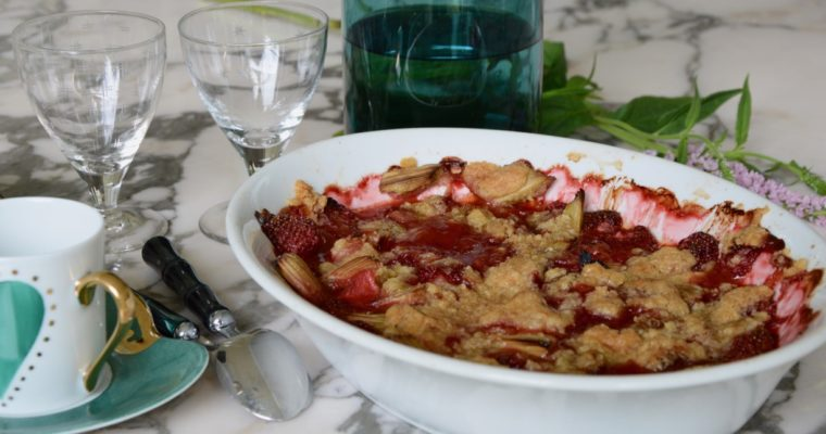 Le crumble à la rhubarbe et à la fraise d'Armelle