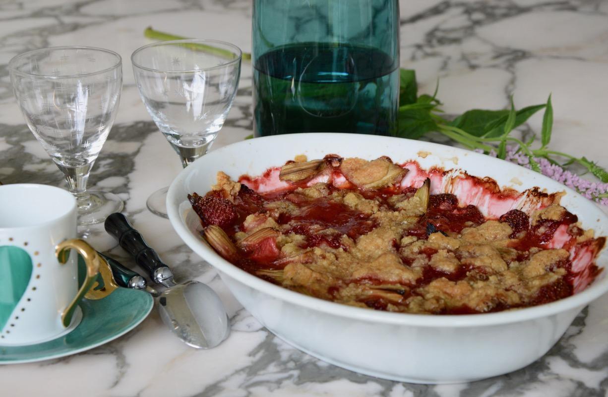 Armelle's Rhubarbe & Strawberry Crumble