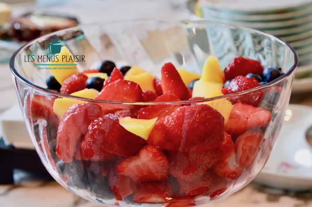 la recette de la salade de fraises, mangue et myrtilles