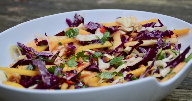 la salade douce aux noix de macadamia de Virginie