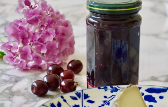 Black cherry jam with chestnut honey from Corsica
