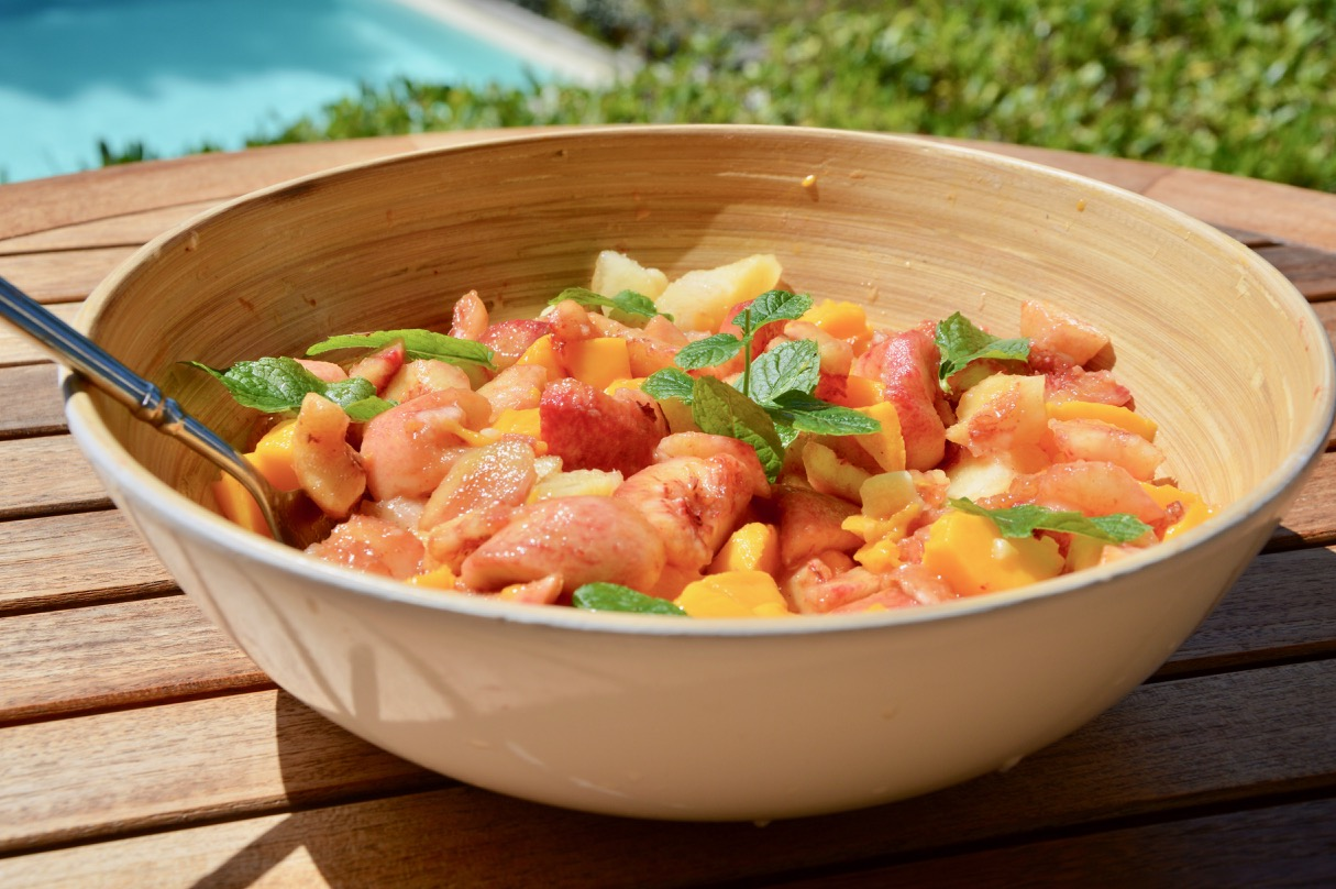 salade de pêches de vigne, brugnons et mangues
