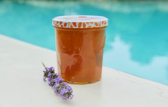 Ma confiture d'abricot parfumée à la vanille et à la lavande