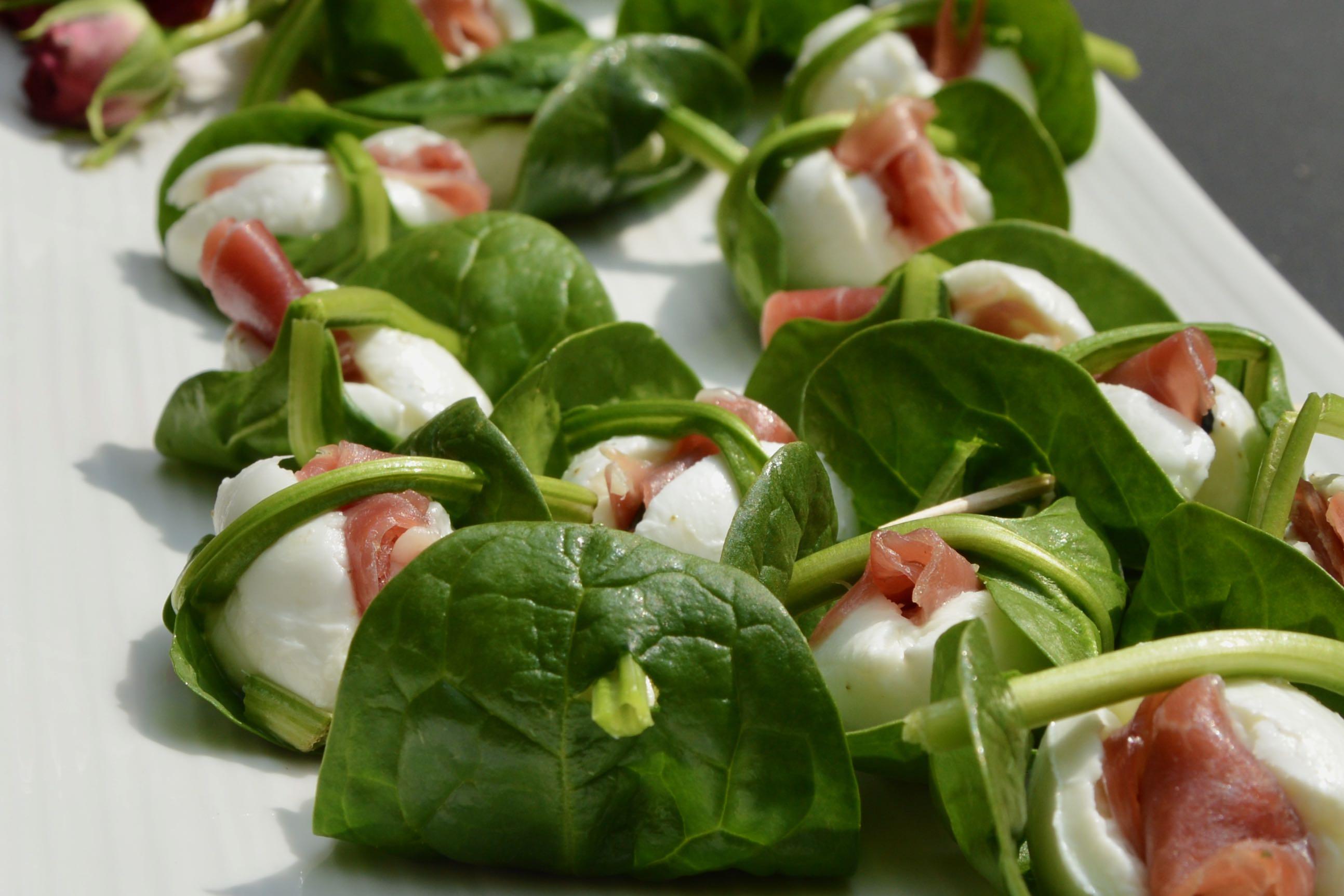Spinach leaf basket