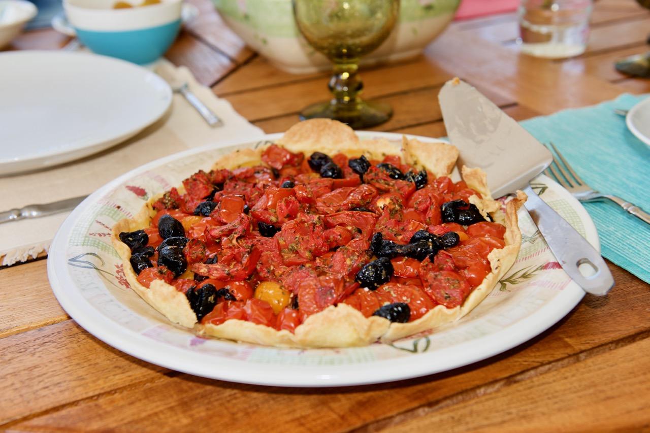 La tarte à la tomate et aux olives