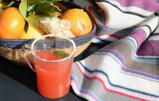 Citrus fruit, ginger & honey alcohol-free grog